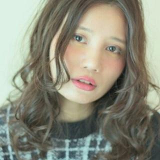 暗髪 外国人風 ヘアアレンジ ゆるふわ ヘアスタイルや髪型の写真・画像