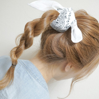 セミロング 簡単ヘアアレンジ ショート ベージュ ヘアスタイルや髪型の写真・画像 ヘアスタイルや髪型の写真・画像
