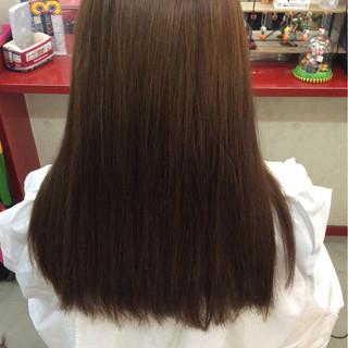 アッシュ ロング ストレート イルミナカラー ヘアスタイルや髪型の写真・画像