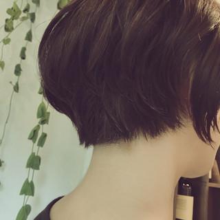 小顔 リラックス くせ毛風 ナチュラル ヘアスタイルや髪型の写真・画像 ヘアスタイルや髪型の写真・画像