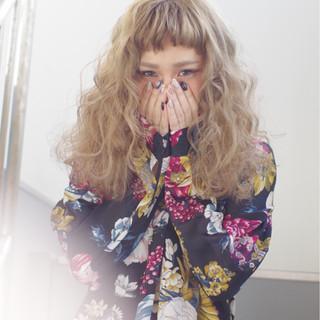 ルーズ ウェーブ パーマ 外国人風 ヘアスタイルや髪型の写真・画像