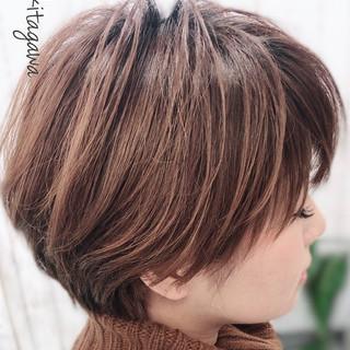 小顔ショート ショートバング アンニュイほつれヘア ショートボブ ヘアスタイルや髪型の写真・画像