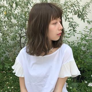 ガーリー カーキアッシュ ロブ ゆるふわ ヘアスタイルや髪型の写真・画像