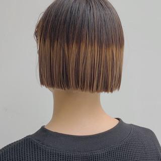 グラデーションカラー ミニボブ ショートボブ 切りっぱなしボブ ヘアスタイルや髪型の写真・画像