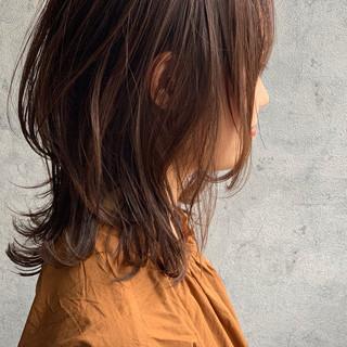 ミルクティーベージュ ベージュ セミロング ゆるナチュラル ヘアスタイルや髪型の写真・画像