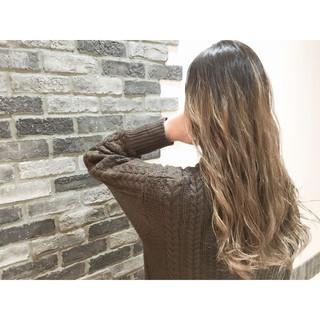 アッシュ グラデーションカラー ブラウン 外国人風 ヘアスタイルや髪型の写真・画像