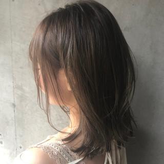 ミディアムレイヤー アンニュイほつれヘア パーマ ミディアム ヘアスタイルや髪型の写真・画像