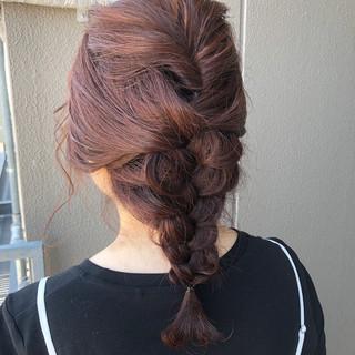 ガーリー ミディアム ヘアアレンジ 簡単ヘアアレンジ ヘアスタイルや髪型の写真・画像