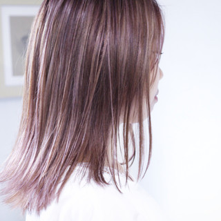 パープルカラー パープル コントラストハイライト パープルアッシュ ヘアスタイルや髪型の写真・画像