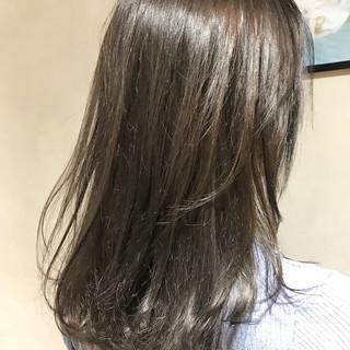 レイヤーカット 暗髪 透明感 ナチュラル ヘアスタイルや髪型の写真・画像