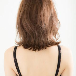 ボブ ロブ ミディアム 外ハネ ヘアスタイルや髪型の写真・画像 ヘアスタイルや髪型の写真・画像