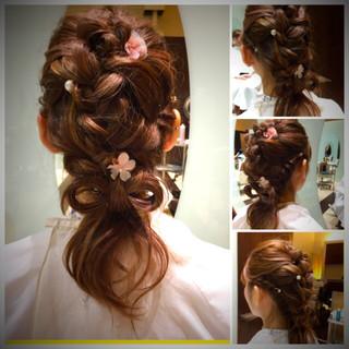 ガーリー 結婚式 セミロング ヘアアクセ ヘアスタイルや髪型の写真・画像