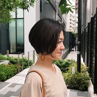 ベージュ オフィス ストレート ナチュラル ヘアスタイルや髪型の写真・画像
