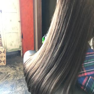 アッシュ 上品 外国人風カラー ロング ヘアスタイルや髪型の写真・画像