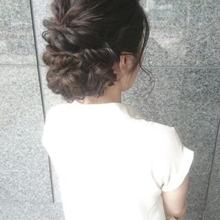 フェミニン ヘアアレンジ 結婚式 編み込み ヘアスタイルや髪型の写真・画像 ヘアスタイルや髪型の写真・画像