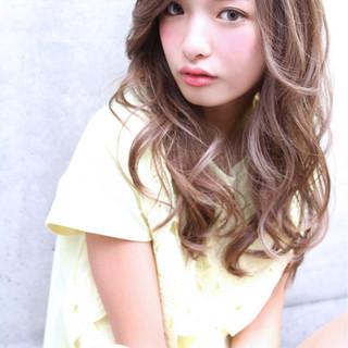 パーマ 外国人風 アッシュ セミロング ヘアスタイルや髪型の写真・画像
