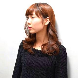 大人かわいい ナチュラル セミロング フェミニン ヘアスタイルや髪型の写真・画像