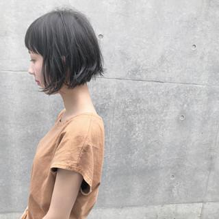 梅雨 黒髪 ナチュラル リラックス ヘアスタイルや髪型の写真・画像