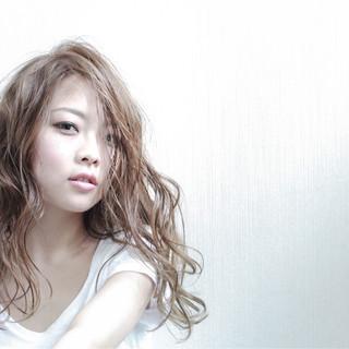 ブルージュ アッシュ 外国人風 ピュア ヘアスタイルや髪型の写真・画像