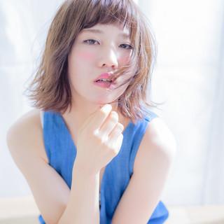 大人かわいい レイヤーカット フェミニン パーマ ヘアスタイルや髪型の写真・画像