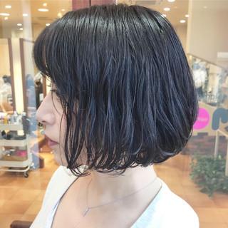 横顔美人 黒髪 コンサバ スパイラルパーマ ヘアスタイルや髪型の写真・画像