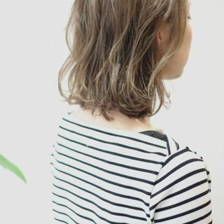 リラックス ナチュラル イルミナカラー デート ヘアスタイルや髪型の写真・画像
