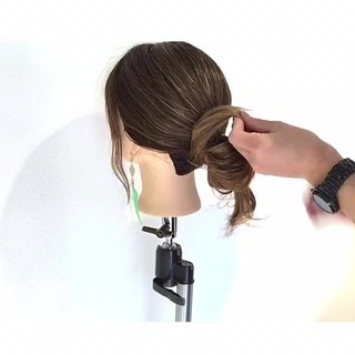 ショート 簡単ヘアアレンジ セミロング オフィス ヘアスタイルや髪型の写真・画像