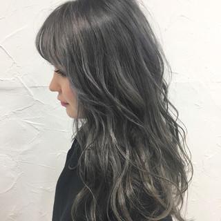 セミロング ガーリー デート グレージュ ヘアスタイルや髪型の写真・画像