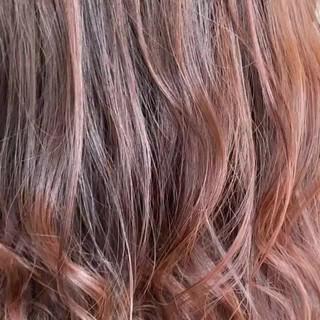 ナチュラル セミロング ハイライト ウルフカット ヘアスタイルや髪型の写真・画像