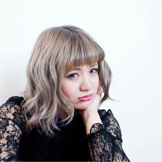 大人かわいい 外ハネ 渋谷系 ストリート ヘアスタイルや髪型の写真・画像