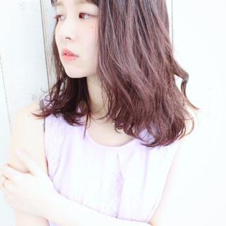 ラベンダーピンク パープル ルーズ ベリーピンク ヘアスタイルや髪型の写真・画像