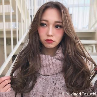 巻き髪 透明感カラー ナチュラル デート ヘアスタイルや髪型の写真・画像 ヘアスタイルや髪型の写真・画像