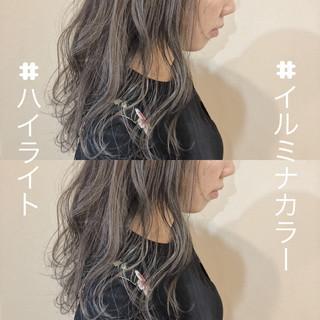 ロング ガーリー グレージュ 波ウェーブ ヘアスタイルや髪型の写真・画像