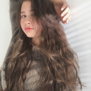 透明感 外国人風 デート くせ毛風 ヘアスタイルや髪型の写真・画像