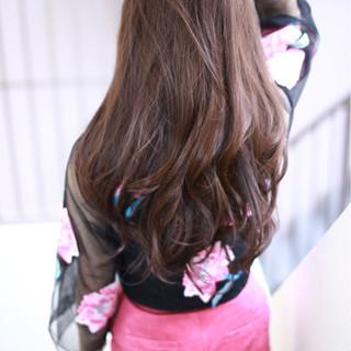 ロング ピンク モード ベリーピンク ヘアスタイルや髪型の写真・画像