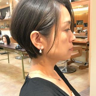 ショート 艶髪 黒髪 ナチュラル ヘアスタイルや髪型の写真・画像
