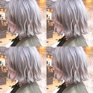 ストリート ウェーブ 外国人風 ダブルカラー ヘアスタイルや髪型の写真・画像