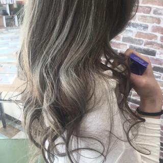 ハイライト ストリート ロング アッシュ ヘアスタイルや髪型の写真・画像