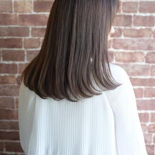 セミロング 内巻き 清楚 美髪 ヘアスタイルや髪型の写真・画像