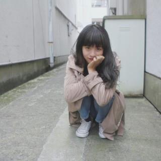 ロング 外国人風 グレージュ ストリート ヘアスタイルや髪型の写真・画像