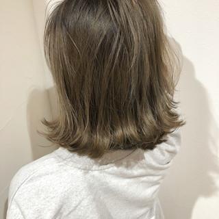 外国人風カラー アッシュベージュ 成人式 デート ヘアスタイルや髪型の写真・画像