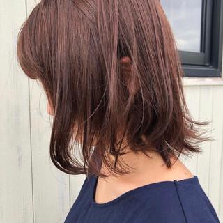 ミディアム ナチュラル 鎖骨ミディアム 暗髪バイオレット ヘアスタイルや髪型の写真・画像