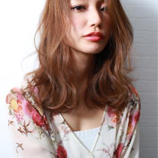 ウェーブ セミロング 女子力 ラベンダー ヘアスタイルや髪型の写真・画像