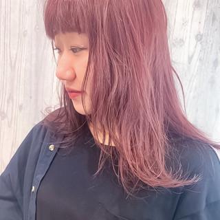 ブリーチオンカラー セミロング ブリーチカラー チェリーレッド ヘアスタイルや髪型の写真・画像 ヘアスタイルや髪型の写真・画像