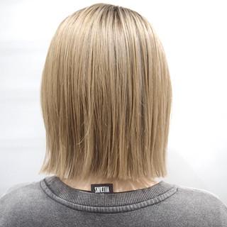 ハイトーンカラー ボブ ホワイトベージュ ナチュラル ヘアスタイルや髪型の写真・画像