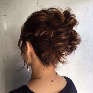 ロング 簡単ヘアアレンジ 外国人風カラー エレガント ヘアスタイルや髪型の写真・画像 ヘアスタイルや髪型の写真・画像