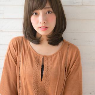 冬 パーマ 前髪あり フェミニン ヘアスタイルや髪型の写真・画像
