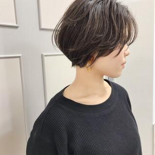 大人女子 福岡市 ベージュ ショート ヘアスタイルや髪型の写真・画像