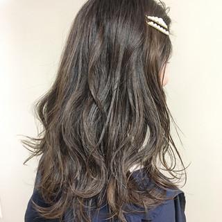 ガーリー ロング デート アッシュベージュ ヘアスタイルや髪型の写真・画像