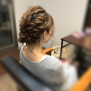 フェミニン ボブ ねじり アップスタイル ヘアスタイルや髪型の写真・画像 ヘアスタイルや髪型の写真・画像